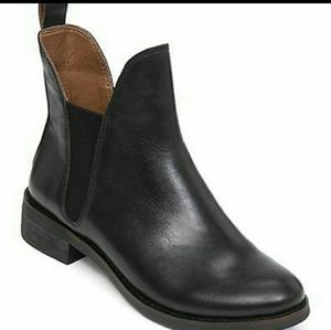 Lucky Brand Nocturno Chelsea boots